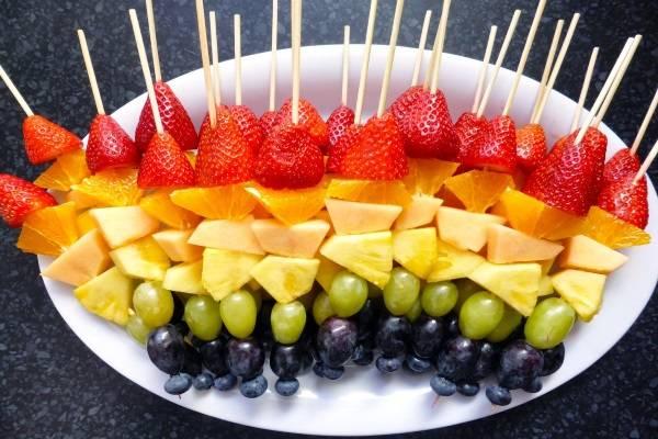 Các loại hoa quả cũng là ý tưởng không tồi cho bữa tiệc ngọt giáng sinh