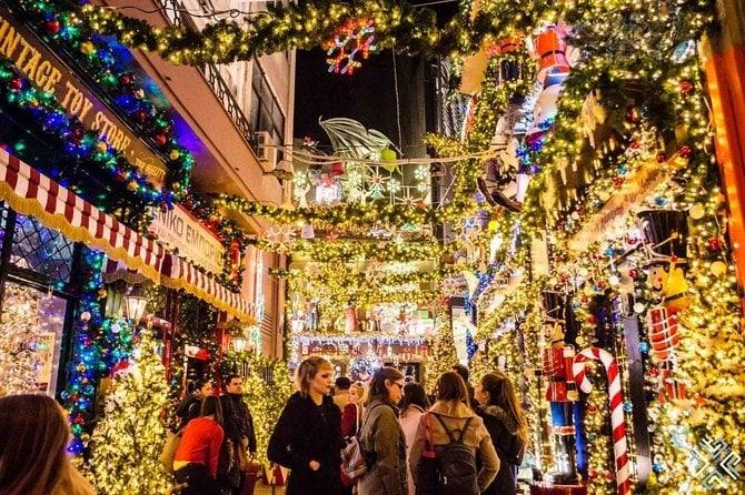Giáng sinh trên các con phố đủ làm say lòng người.
