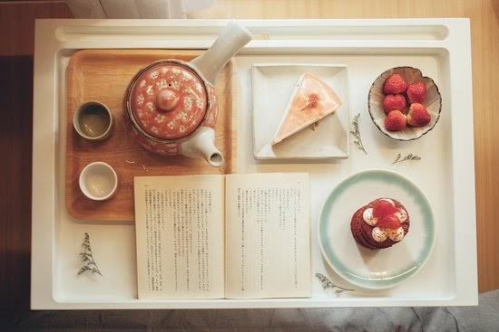 Khay đồ uống và bánh ngọt siêu yêu