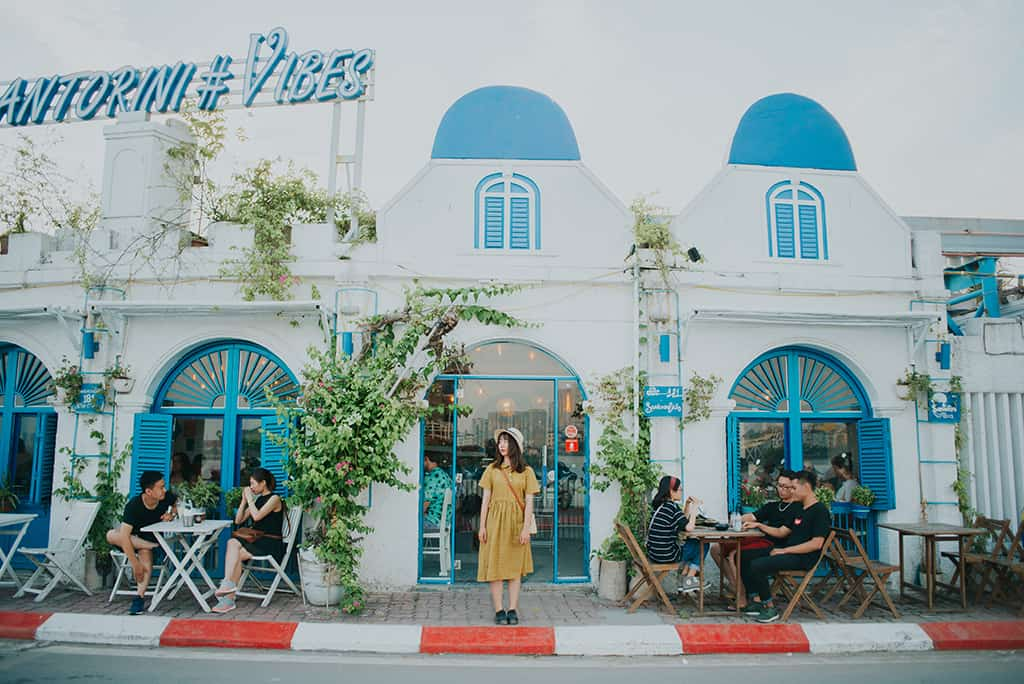 Chụp ảnh hot nhất dịp Tết-Santorini Vibes