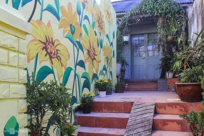 Dốc bích họa Nhà Làng - địa điểm checkin mới tại Đà Lạt