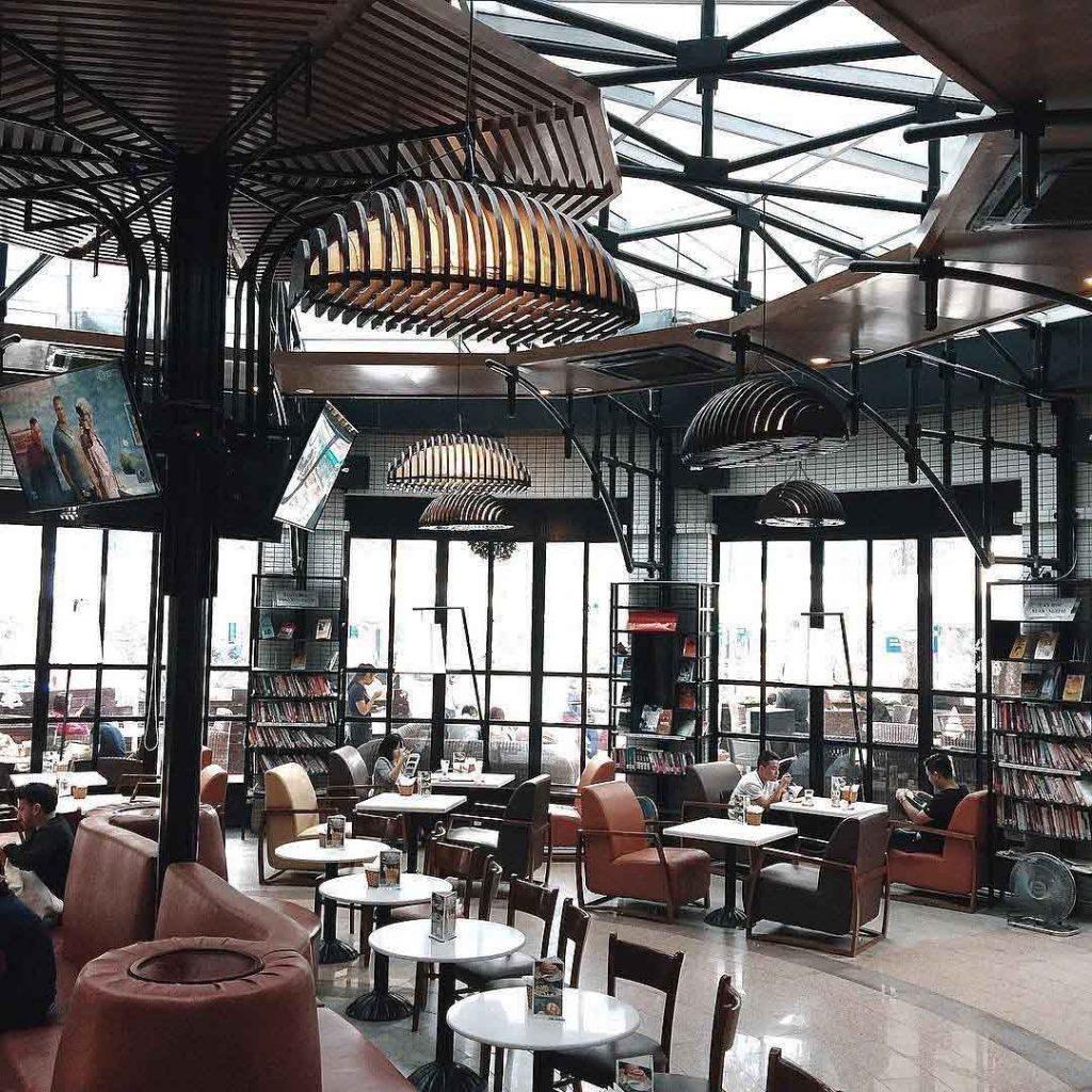 Không gian bên trong Helio Coffee