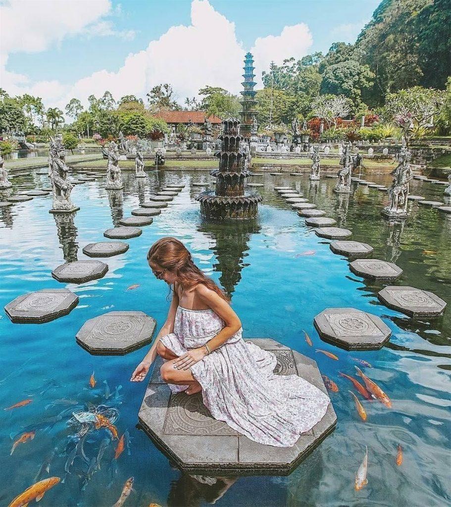 Cung điện nước Tirta Gangga