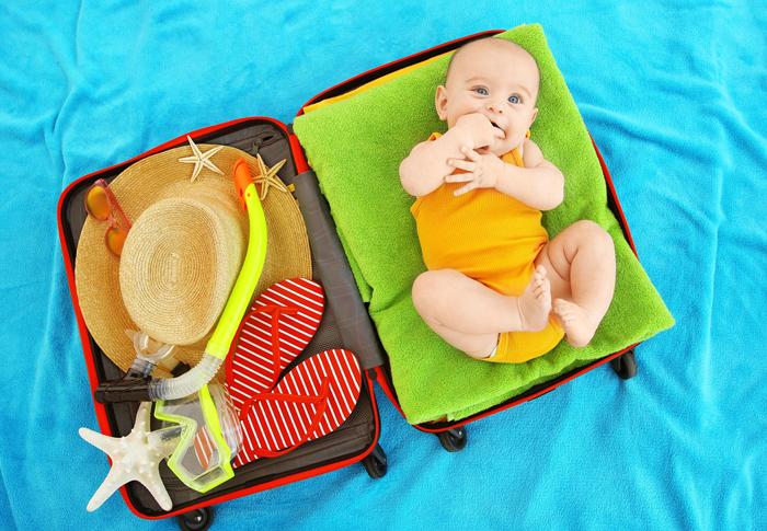 Mọi vật tư trang đều cần được sẵn sàng khi có con nhỏ đi cùng trong chuyến đi