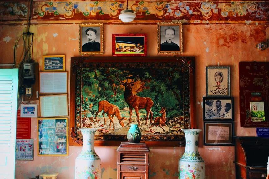 Đồ vật trang trí bên trong nhà cổ Bình Thủy