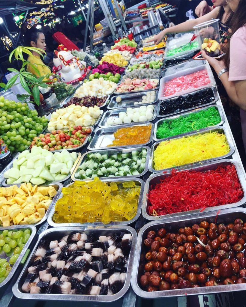 Những mặt hàng hoa quả miệt vườn tại chợ khá được yêu thích vì tươi ngon và chuẩn hương vị hoa quả nhiệt đới.