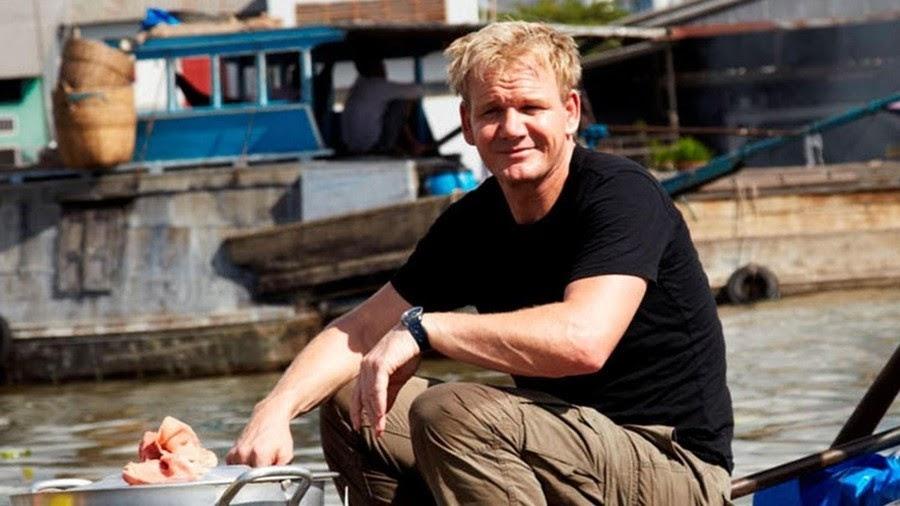 Đầu bếp Gordon Ramsay đã từng có dịp cơ hội thưởng thức hủ tiếu Việt Nam trên chợ nổi Cái Răng