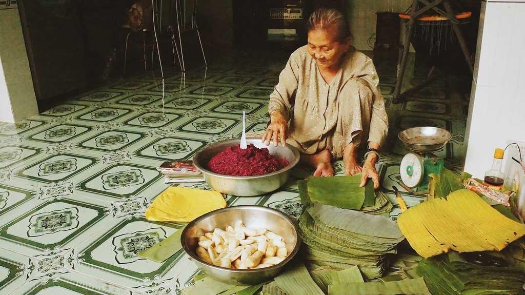 Món bánh tét lá cẩm trứ danh đặc sản của gia tộc họ Huỳnh ở Cần Thơ
