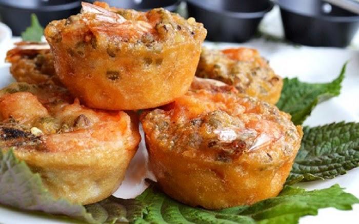 Về Cần Thơ, dạo bến Ninh Kiều và thưởng thức bánh cống thơm ngon