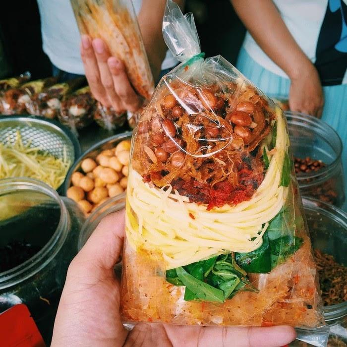 Bánh tráng trộn - Món ngon Sài Gòn