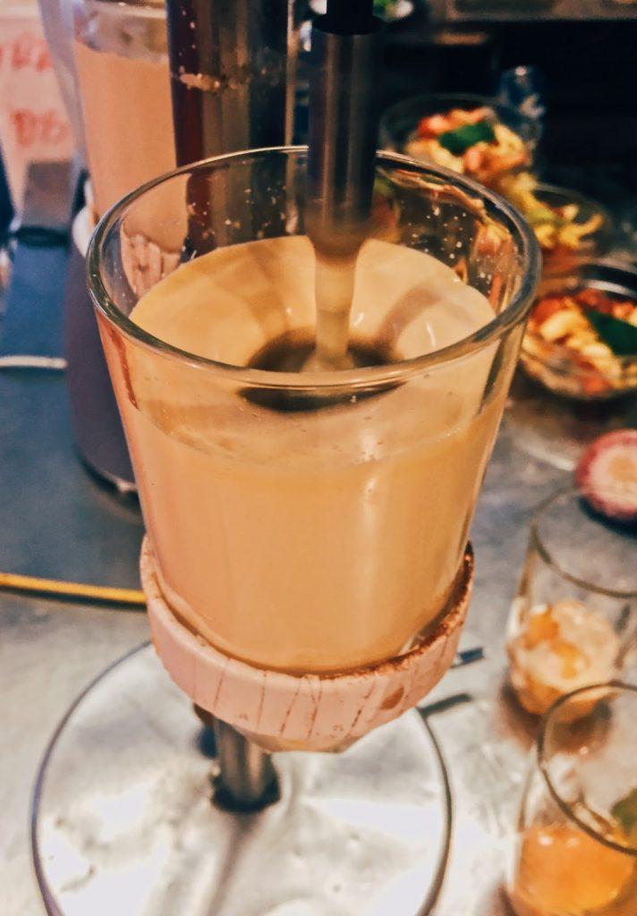 Cà phê trứng ngõ Hàng Chỉ