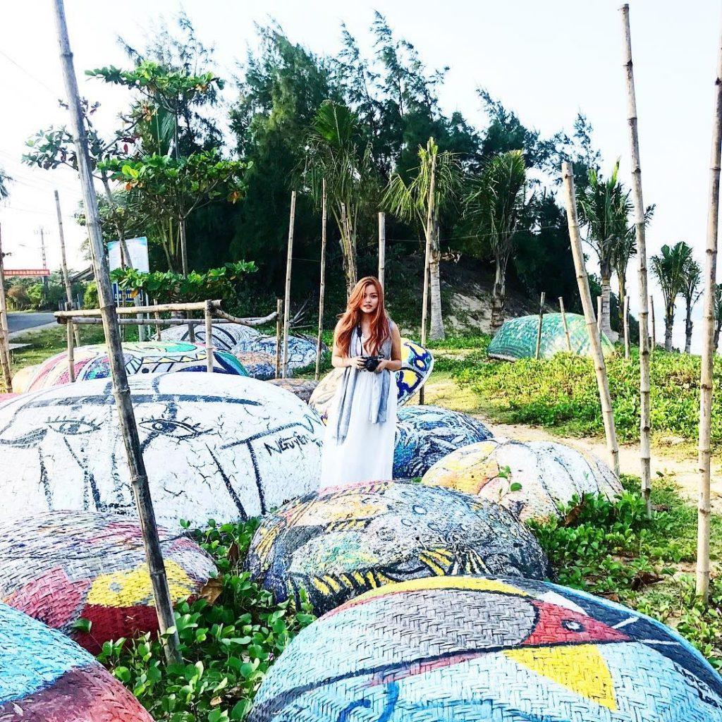 Làng Bích họa Tam Thanh, ngôi làng bích họa đầu tiên