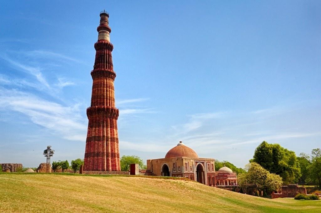 Tên gọi của tháp cổ Qutub có nghĩa là chiến thắng, được xây dựng từ năm 1199 đến 1230 dưới triều của vua Qutubuddin Abak. Nơi đây chính là địa điểm du lịch Ấn Độ không thể bỏ qua.