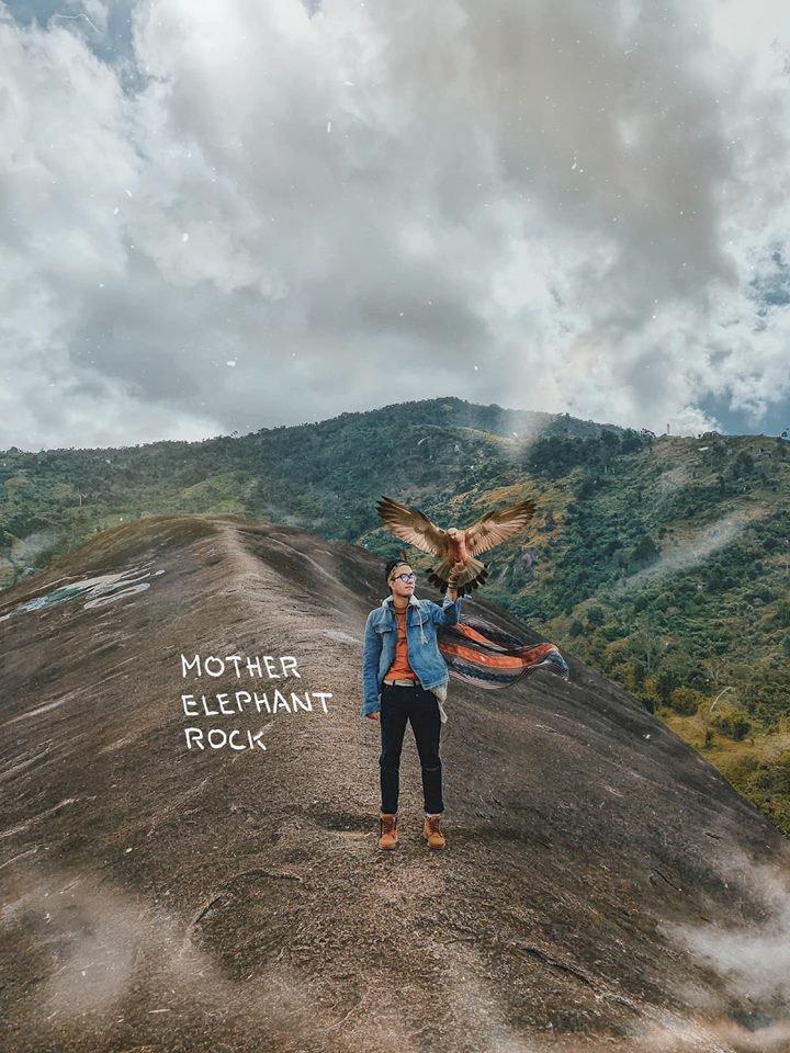 Núi đá Voi Mẹ