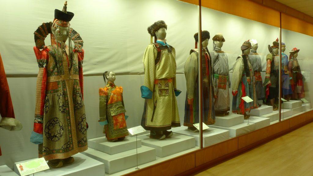 Hệ thống bảo tàng của thủ đô: địa điểm khám phá văn hóa lịch sử khi du lịch Mông Cổ.