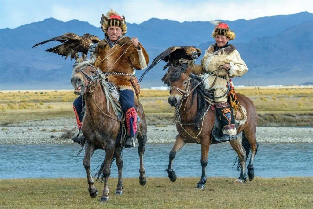 Lễ hội Đại bàng vàng được tổ chức ở núi Altai