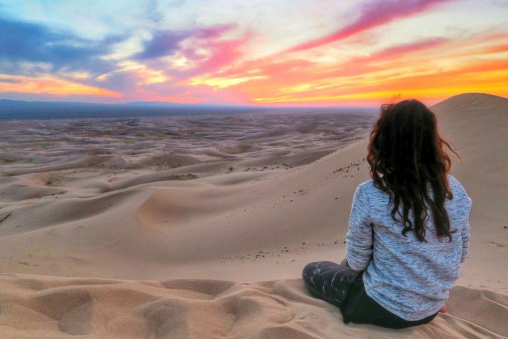 Sa mạc Gobi là trái tim của Mông Cổ, là địa điểm du lịch Mông Cổ chắc chắn không nên bỏ lỡ