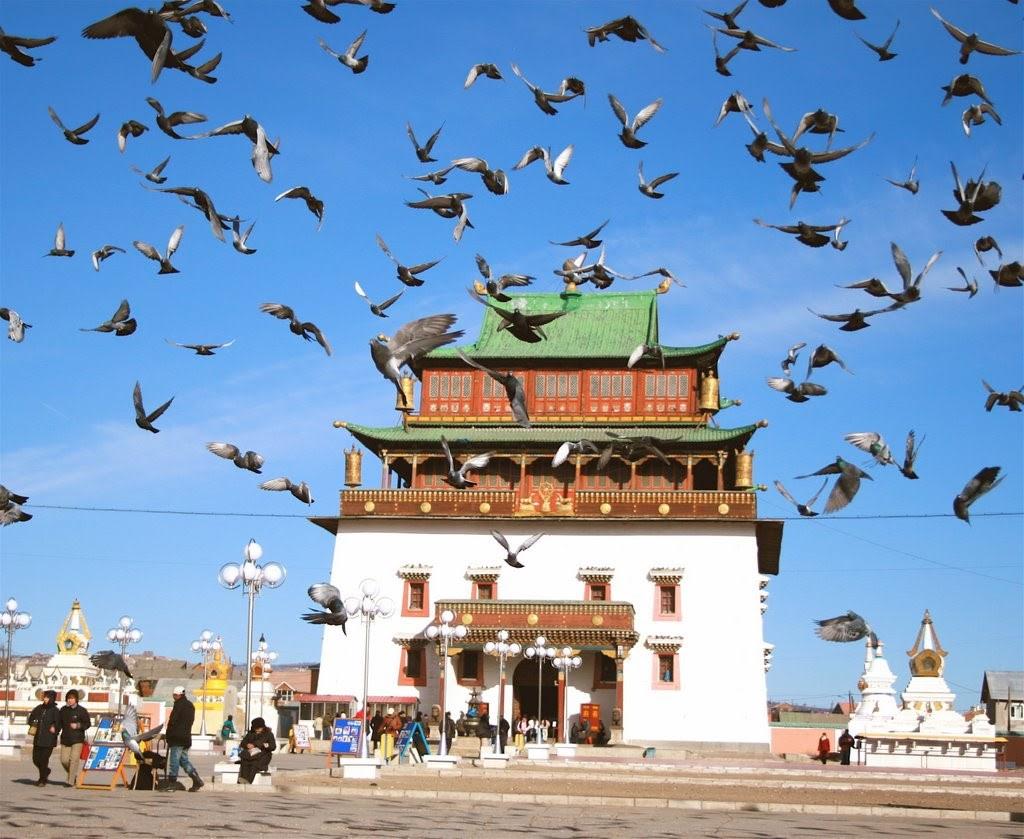 Tu viện Gandan Khiid lừng danh thế giới nằm ở Mông Cổ