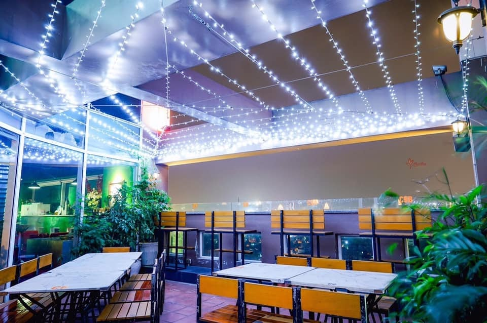 Hexa Club - Quán cafe rooftop Hà Nội view đẹp giá xinh