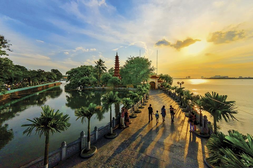 Chùa Trấn Quốc Hà Nội là một ngôi chùa cổ lâu đời ở mảnh đất kinh thành Thăng Long