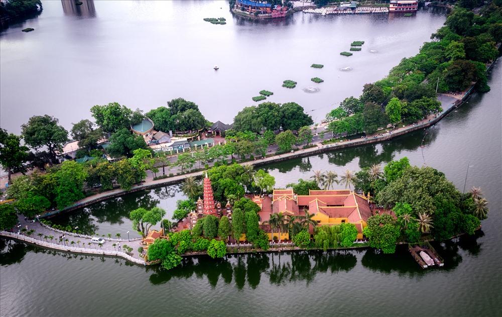 chùa Trấn Quốc Hà Nội nhìn từ trên cao