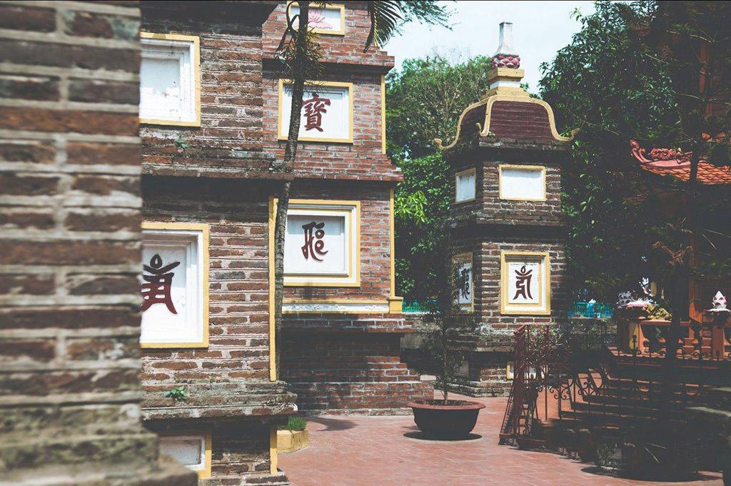 vườn tháp ở chùa Trấn Quốc Hà Nội