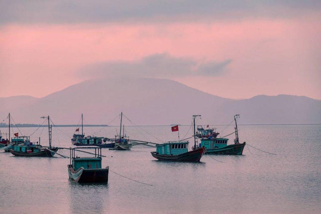 Bình minh đảo Quan Lạn
