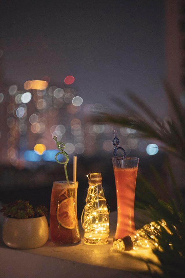 Quán café có góc studio = EM Rooftop Coffee
