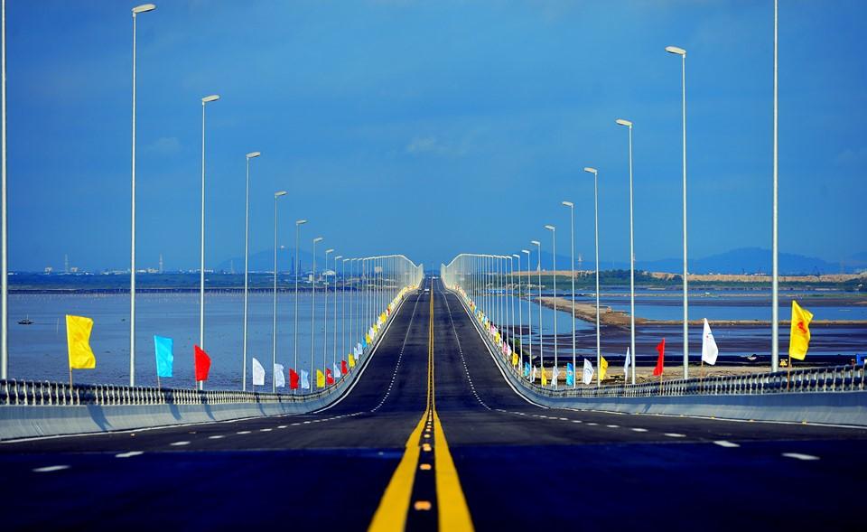 Cầu Tân Vũ-Lạch Huyện