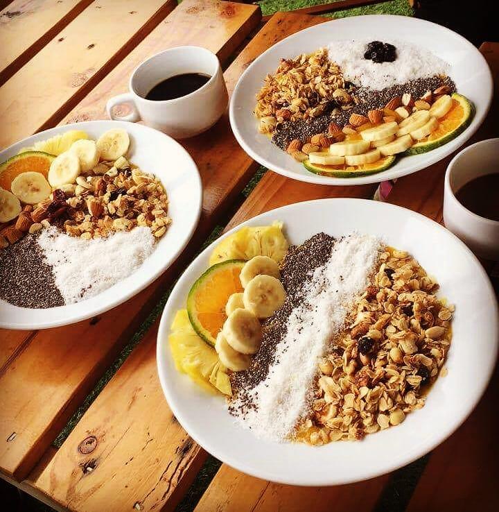 đồ ăn ở Mona homestay đẹp ở Cát Bà