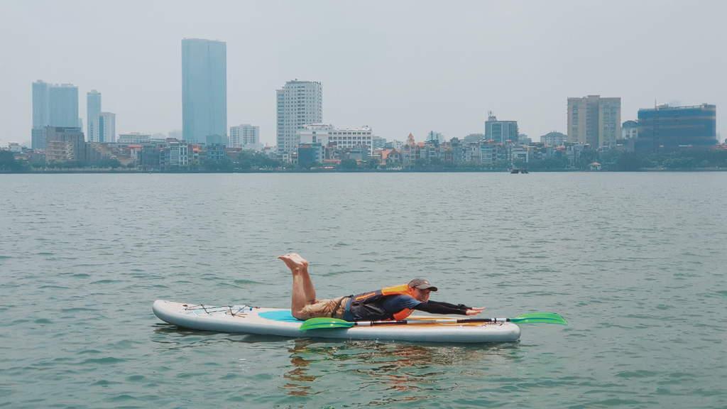 Chèo thuyền SUP Hồ Tây