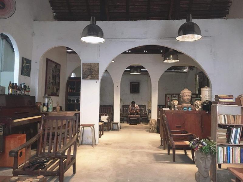 Quán cafe đêm ở Sài Gòn