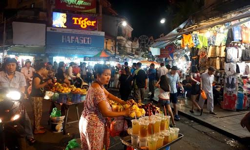 Chợ đêm Hà Nội - chợ đêm Đồng Xuân