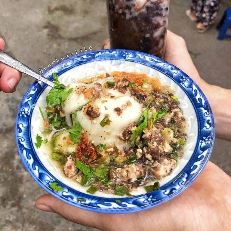Mùa đông Hà Nội ăn gì - Bánh đúc nóng