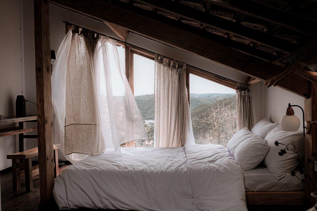 Ở Đợi Một Người có những căn phòng gác mái nhỏ xinh
