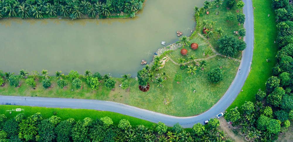 Con đường ven sông ở Ecopark