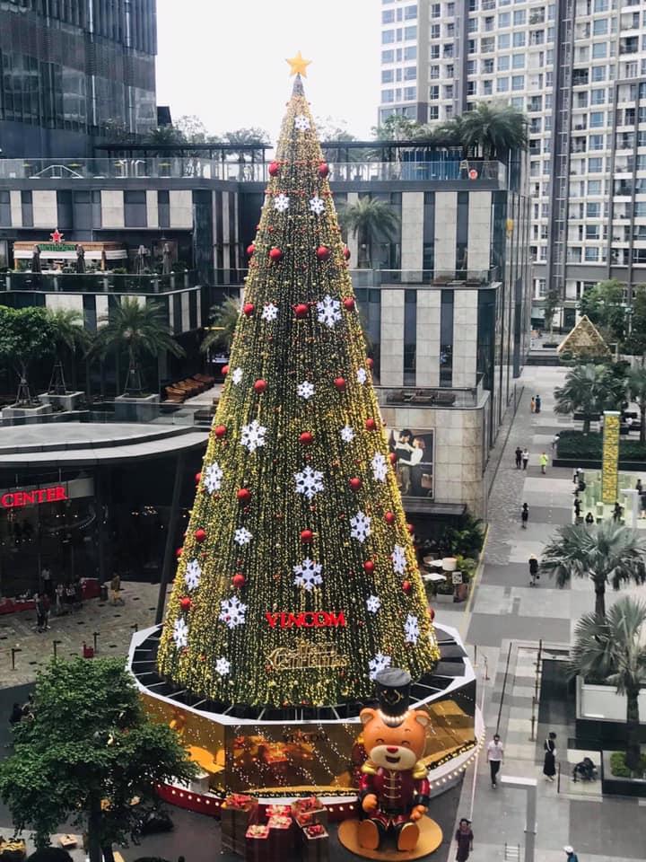 Đi chơi Noel Sài Gòn ở Landmark 81