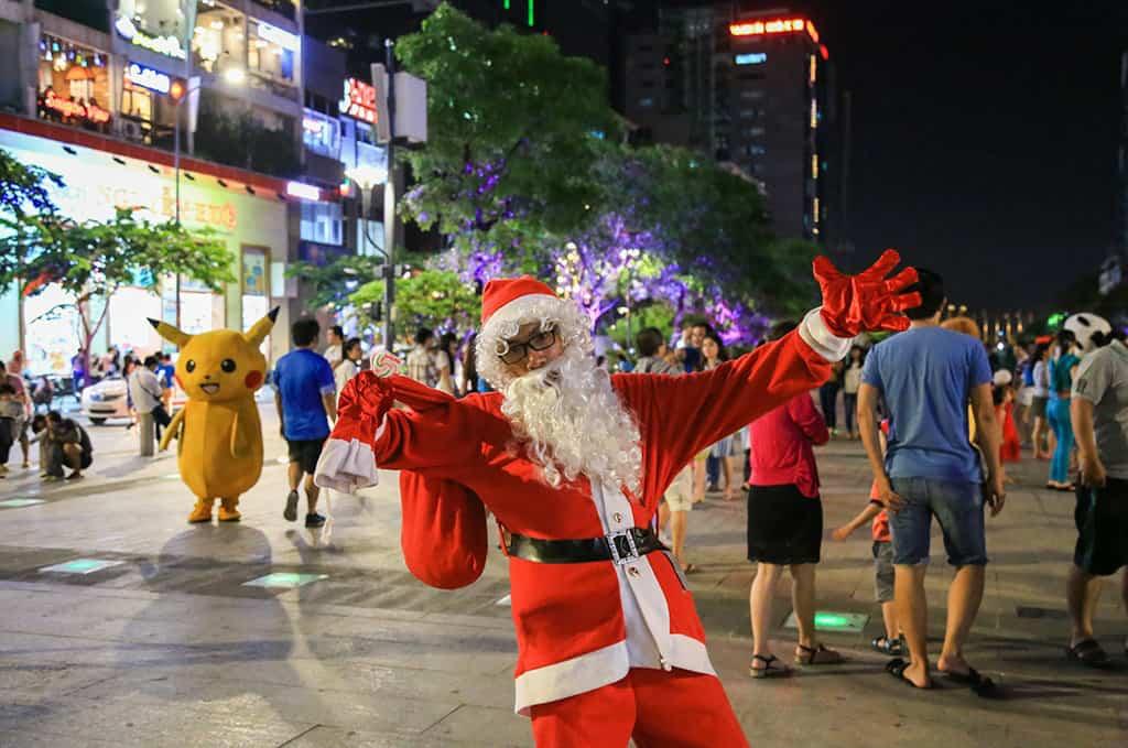 Đi chơi Noel tại phố đi bộ Nguyễn Huệ