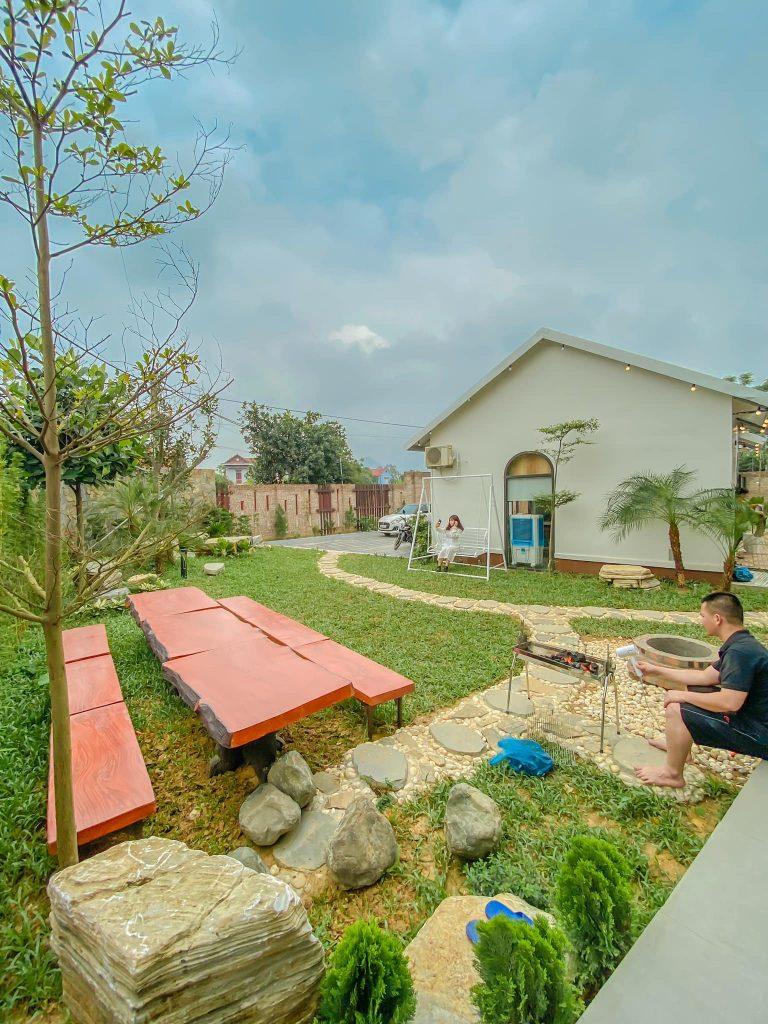 Khu nướng BBQ ngoài trời ở Bẻ bơi ngoài trời ở  LyLy Villa Sóc Sơn