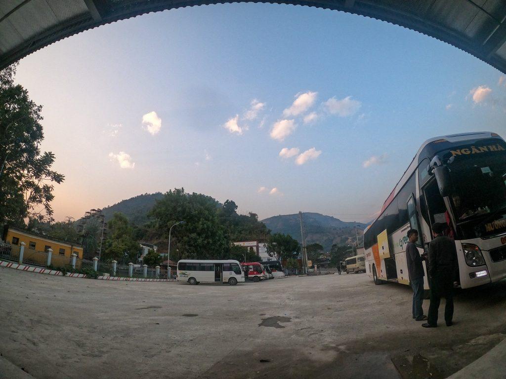 Bến xe khách Mường Tè