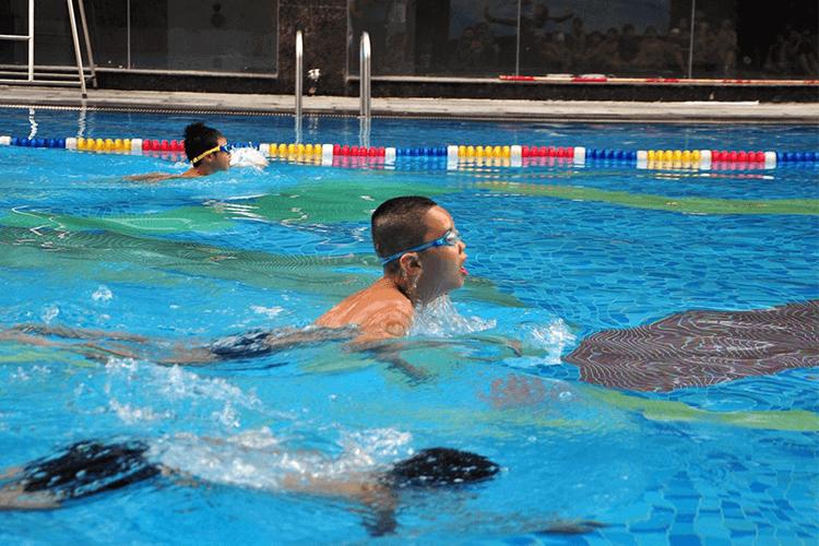 Bể bơi giá rẻ ở Hà Nội - Bể bơi bốn mùa Sense Aqua & Spa