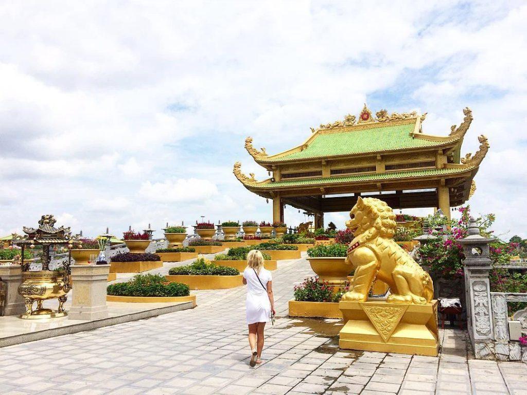 Khu vực đền thờ Đại Nam